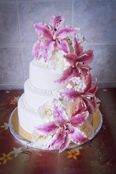 Wedding Saloon :: свадебный букет с лилией - Свадебные платья и